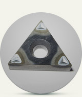 Cutting tool with pyramidal groovings
